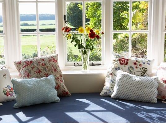 bay window seat ideas living room